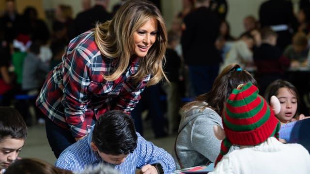 Melania Trump lors d'une distribution de cadeaux de Noël à Washington, le 11 décembre 2018