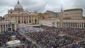 La Place Saint-Pierre de Rome, ce dimanche 27 avril.