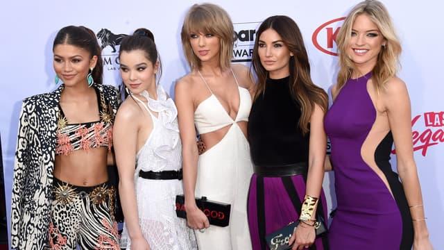 Taylor Swift entourée de ses amies Zendaya, Hailee Steinfeld, Lily Aldridge et Martha Hunt
