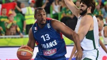 Joker s'affichera sur le maillot des équipes de France masculines et féminines de basket jusqu'en 2016