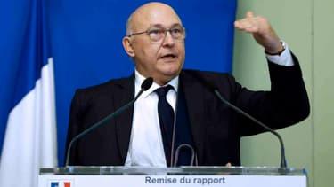 Michel Sapin privilégie la piste de l'impôt sur le revenu