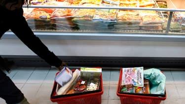 Les aliments industriels contiennent encore trop de gras, de sel et de sucre.