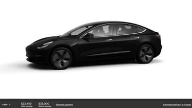 La Model 3 à 35.000 dollars sera forcément noire, avec des sièges à réglages manuels et un système de navigation simplifiée.