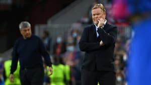 Le coach néerlandais du Barça Ronald Koeman lors du match contre le Dynamo Kiev au stade du Camp Nou de Barcelone en Espagne le 20 octobre 2021.