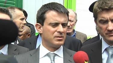 Manuel Valls a annoncé vendredi le retour des CRS dans la ville de Sevran où il était en déplacement pour assurer les habitants d'un prochain retour de leur tranquillité.