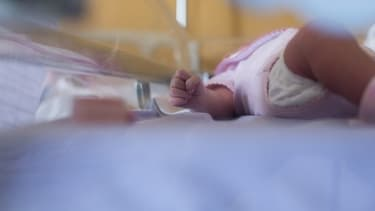 Photo d'illustration d'un nourrisson à la maternité