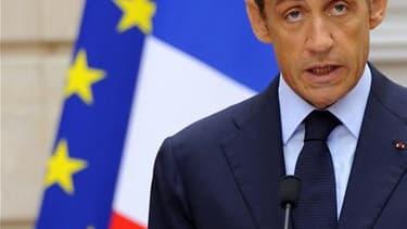 La cote de popularité de Nicolas Sarkozy remonte de quatre points en août à 30% d'opinions favorables, dans le baromètre TNS-Sofres Logica pour le Figaro Magazine. Elle était tombée en juillet à 26%, le score le plus bas du chef de l'Etat depuis son élect