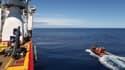 Des équipes australiennes recherchent des débris du MH370, le 7 avril 2014.