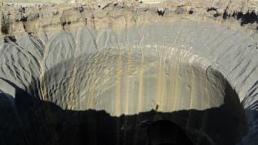Le réchauffement climatique cause la formation de cratères géants en Sibérie.