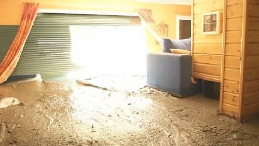 La coulée de boue a atteint plus d'un mètre par endroits, à Lassur.