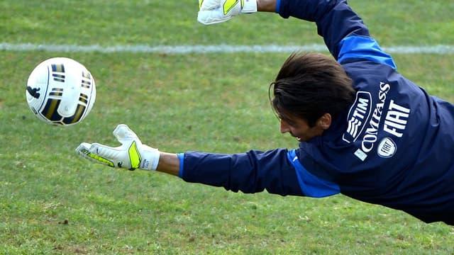 Gianluigi Buffon, leader d'expérience de l'équipe d'Italie