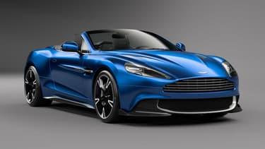 L'Aston Martin Vanquish S Volante propose de rouler cheveux au vent au son du V12