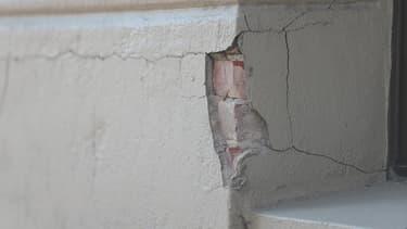 Bâtiment abîmé par un tremblement de terre