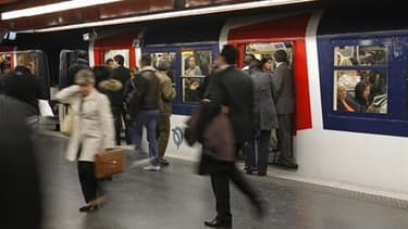 Le mouvement social contre l'austérité entraîne mardi des perturbations limitées en France, notamment dans les transports. Dans l'agglomération parisienne, le trafic est quasiment normal sur le métro et la plupart des lignes de RER, à l'exception du RER B