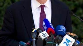 Le procureur général de New York Cyrus Vance a déclaré vendredi que l'enquête contre Dominique Strauss-Kahn continuerait malgré les doutes sur la crédibilité de la femme de chambre qui l'accuse de tentative de viol. /Photo prise le 1er juillet 2011/REUTER