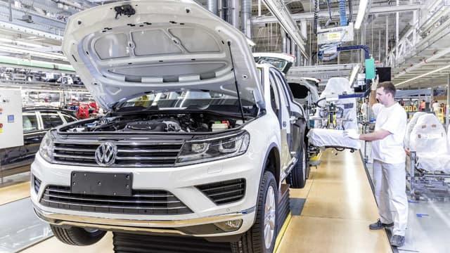 Volkswagen rappelle le Touareg pour un problème détecté sur un anneau de sécurité installé sur la fixation d'une pédale.