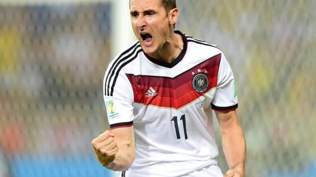 Miroslav Klose rejoint Ronaldo en tête des meilleurs buteurs de l'histoire de la Coupe du monde.
