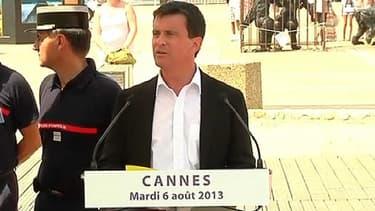 Manuel Valls à Cannes, ce mardi, pour évoquer les braquages et les noyades.