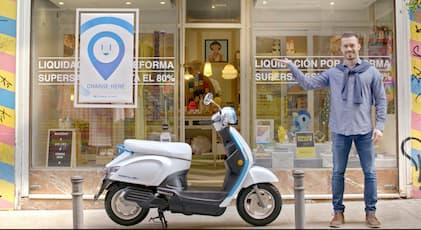 Kymco veut créer un réseau de partenaires avec des commerçants qui accueilleront dans leurs boutiques des stations de recharge pour les batteries Ionex