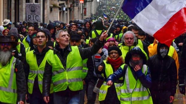 La manifestation des gilets jaunes à Bordeaux, le 15 décembre 2018. - GEORGES GOBET - AFP