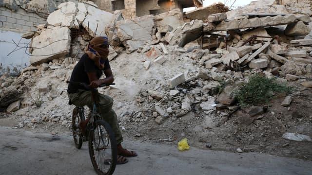 Combattant syrien soutenu par la Turquie dans la région d'Al-Bab, dans le nord-est de la Syrie, le 6 août 2019