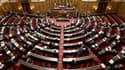 Le Sénat a adopté dans la nuit de samedi à dimanche le projet de loi sur la sécurisation de l'emploi, déjà voté par l'Assemblée nationale, après que le gouvernement ait demandé un vote bloqué pour accélérer les débats. /Photo prise le 4 avril 2013/REUTERS