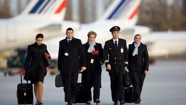 """T-P-M-G, autrement dit """"Tout pour ma gueule"""", c'est le slogan à la mode en ce moment chez Air France."""
