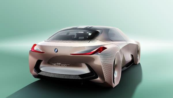 Le coupé est dévoilé officiellement lors de la cérémonie des 100 ans de BMW le 07 mars après-midi, à Munich, siège du groupe.