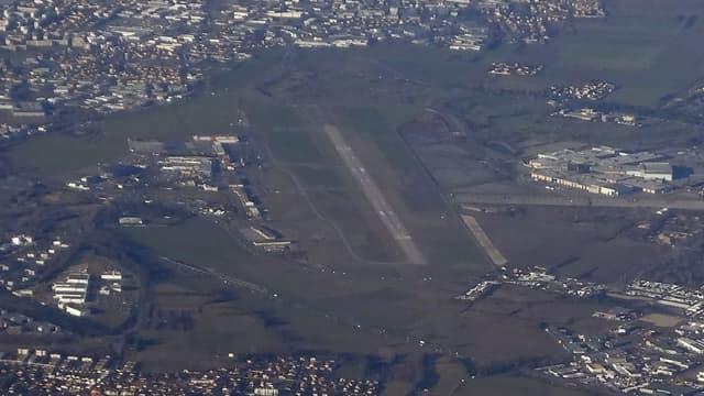 Vue aérienne de l'aéroport de Lyon-Bron