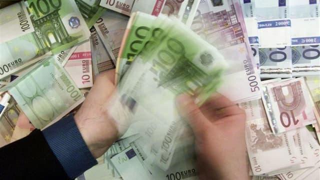 Selon la commission, l'écart entre les rentrées théoriques liés à la TVA et les rentrées constatées est de 32 Mds € soit près de la moitié du déficit budgétaire.