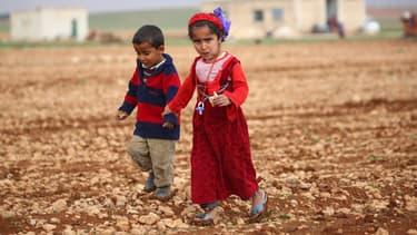 Des enfants syriens ayant fui leur village,  photographiés le 4 mars 2017.