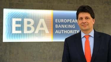 """""""Un grand nombre de capitales, et autres villes européennes ont exprimé leur désir, leur intention de nous héberger"""", a indiqué le directeur exécutif de l'EBA, Adam Farkas."""