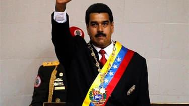 Nicolas Maduro, fils spirituel et dauphin désigné de feu Hugo Chavez, a prêté serment vendredi à Caracas comme président du Venezuela en présence de nombreux dirigeants étrangers. /Photo prise le 19 avril 2013/REUTERS/Carlos Garcia Rawlins