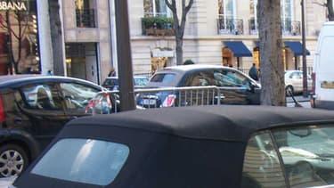 La Ville de Paris ne compte verbaliser les contrevenants à l'interdiction des vieilles voitures dans la capitale qu'à partir du 1er janvier, au lieu du 1er octobre.