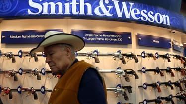 Le titre Smith & Wesson coté à Wall Street gagne 342% sur 5 ans, soit le double de la progression d'Apple sur la même période.