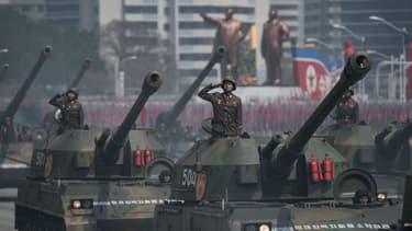 L'armée nord-coréenne défile lors de la parade militaire à Pyongyang, en Corée du Nord, le 15 avril 2017.