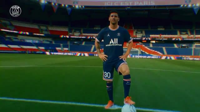 Lionel Messi avec le maillot du PSG