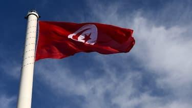 Le drapeau tunisien.