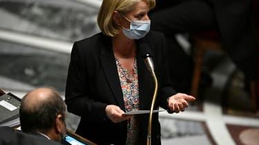 La ministre Brigitte Bourguignon lors des questions au gouvernement à Paris le 4 mai 2021