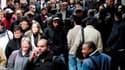 Selon une enquête de TNS Sofres et Publicis Consultants, 77% des Français ne sont pas confiants dans l'amélioration de la situation économique de leur pays et 63% pensent que la crise grecque peut se propager à la France. /Photo d'archives/REUTERS