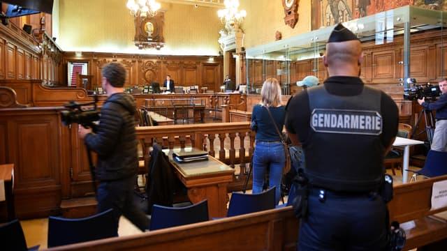 Le frère de Mohamed Merah est jugé par une cour d'assises spéciale à Paris.