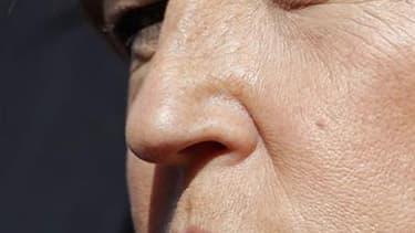 """La première secrétaire du Parti socialiste Martine Aubry a estimé mercredi qu'Angela Merkel devait être satisfaite de la déclaration de candidature à l'élection présidentielle de Nicolas Sarkozy. """"Avec lui, Madame Merkel ne risque rien: il lâche tout. Ils"""