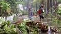 Les principaux axes de l'île de la Réunion restent fermés après le passage du cyclone Bejisa.