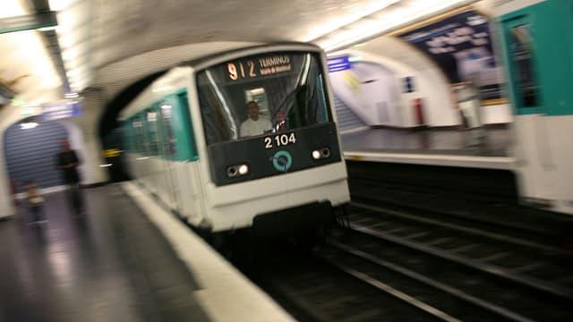 Le viol a eu lieu dans les escalators du métro parisien.