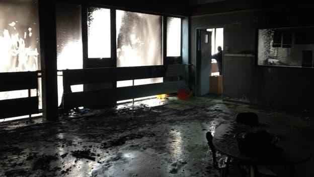 Plusieurs salles, dont l'une de classe, ont été ravagées par l'incendie criminel.
