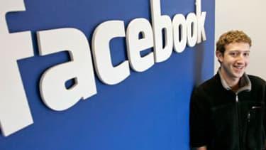 Mark Zuckerberg, patron de Facebook, a lui prévenu qu'il ne vendrait pas d'action avant septembre 2013