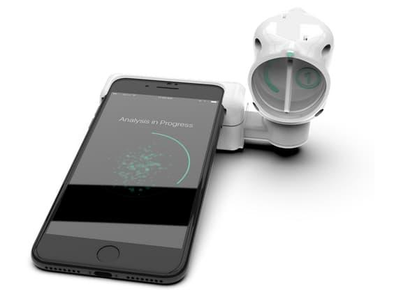 Le dispositif de dépistage via smartphone de Luminostics.