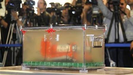 Boîte noire du vol AF447. Selon le Bureau d'enquêtes et d'analyses (BEA), aucune conclusion ne peut être tirée à ce stade de l'enquête sur les causes de l'accident du vol Rio-Paris, qui a coûté la vie à 228 personnes au-dessus de l'Atlantique en juin 2009