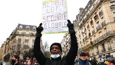"""Manifestation contre la loi """"sécurité globale"""" à Paris, le 5 décembre 2020"""