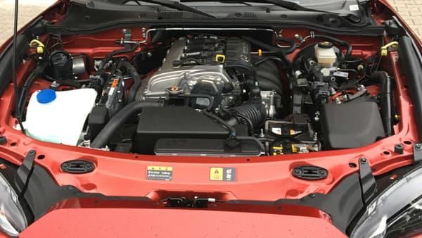 La vraie nouveauté se cache sous le capot: ce nouveau bloc 4 cylindres 2.0 de 184 chevaux.
